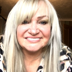 Lynne is looking for singles for a date