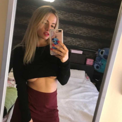Anja is looking for singles for a date