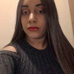 Dhanielle is looking for singles for a date
