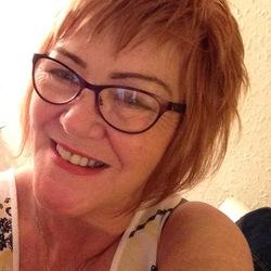Rhona (55)