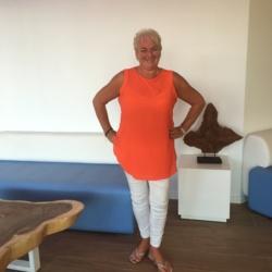 Sandra (59)