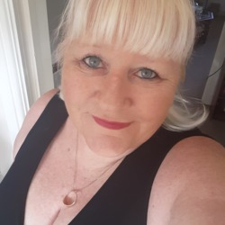 Sonia is looking for singles for a date