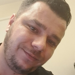 Krisztian is looking for singles for a date