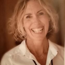 Julie (53)