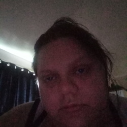 Siobhan is looking for singles for a date
