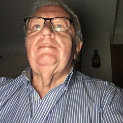 Clive (74)