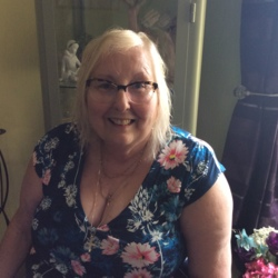 Kathryn is looking for singles for a date
