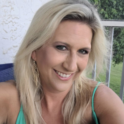 Jennifer is looking for singles for a date