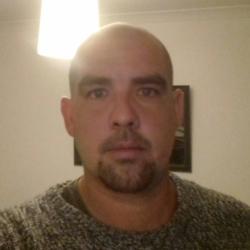 Greg (33)