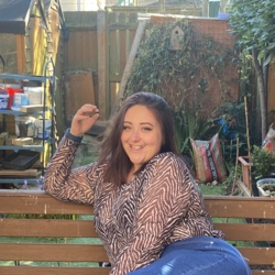 Rebecca is looking for singles for a date