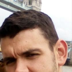 Tom (33)