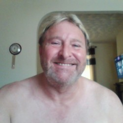 Tom is looking for singles for a date