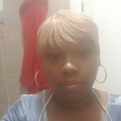 Shemika is looking for singles for a date