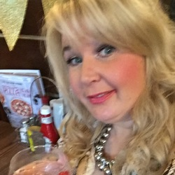 Margueritte is looking for singles for a date