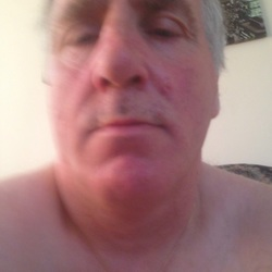 Stevenburne is looking for singles for a date
