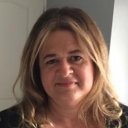 Caroline (52)