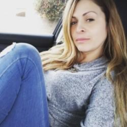 Vanessa, 39 from California