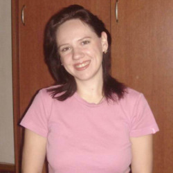 Lorrie is looking for singles for a date