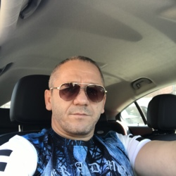 Cosmin is looking for singles for a date