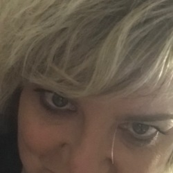 Carrie is looking for singles for a date