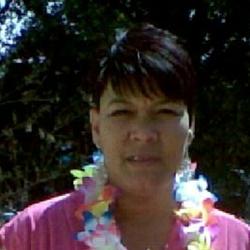 Gloria (48)