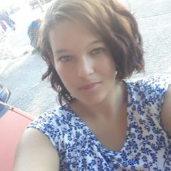 Chevonne is looking for singles for a date