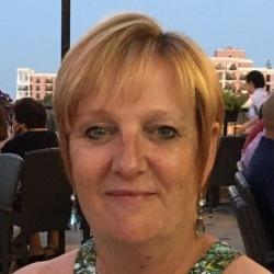 Amanda (49)