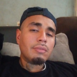 Robert, 31 from Texas